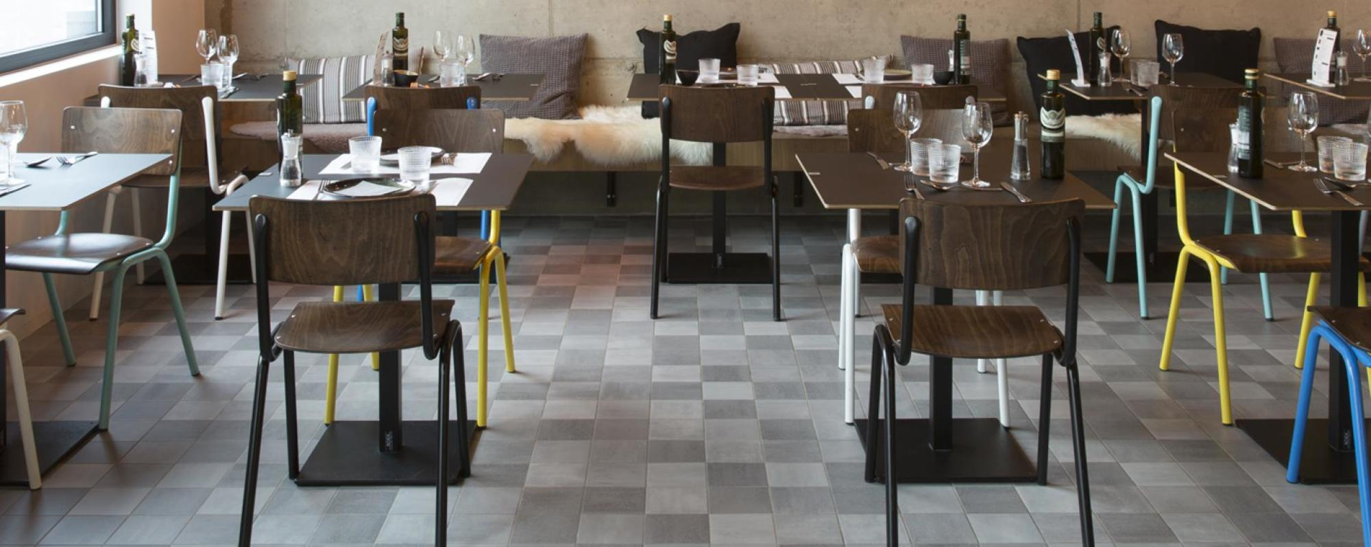 Peppe's trattoria Genk UAU collectiv MOSA Scenes cool grey 6120V grain + 6121V clay + 6122V sand + 6123V grit 15x15