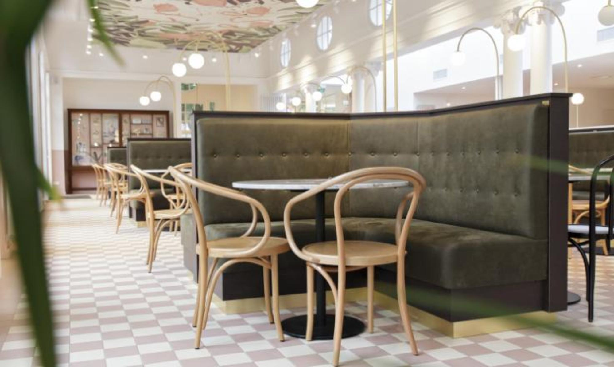 Flamingo Grandcafé zoo Antwerpen 8 Office architects TOPCER 15x15 6616 white + 6619 pink