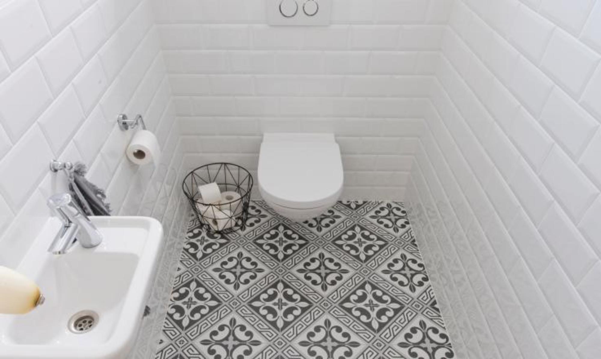 Metrotegels in zwart en wit voor in de badkamer en de keuken